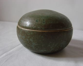 Box green decorative or utilitarian