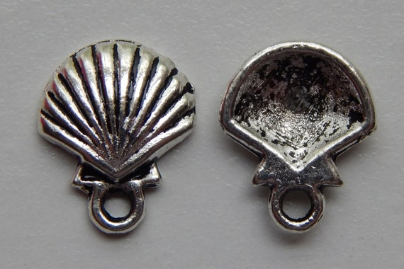 10 Pieces of Metal Jewelry Charms - 14mm Scallop Shell, Seashell, Beach, Sea Life, Drops, Single Sided, Silver Color, Base Metal, Top Loop