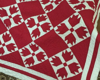 Quilt Bears Paw Red and White Queen Ready to Ship