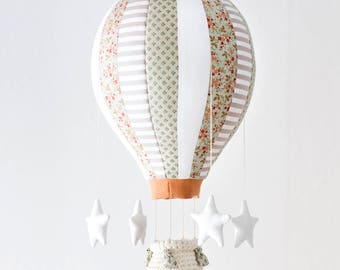 Hot Air Balloon Mobile, 16 Segments, Baby Mobile, Nursery & Home Decor, Balloon to hang with Crochet Basket, Weights and Stars 100% handmade
