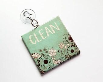 Lave vaisselle vert signe, signe propre, signe sale, travaux sur l'acier inoxydable, signe de lave-vaisselle avec ventouse, panneau de cuisine marron, vert, (7803)
