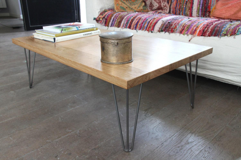 table basse bois massif et pied épingle acier vernis sur