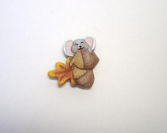 Magnet, refrigerator magnet, ceramic magnet, mouse and acorn