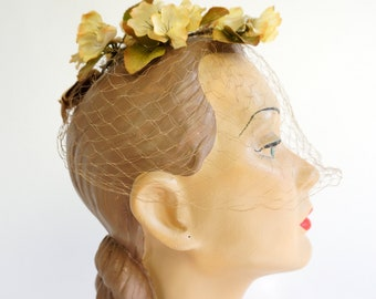 LAST CALL - Final SALE Vintage 1950s Netting Veil Fascinator Hat, Silk Flowers Ribbon Accent, Bridesmaid Garden Wedding