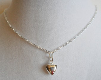 Small Sterling Silver Heart Necklace / Tiny Silver Heart Necklace / Simple Delicate Necklace