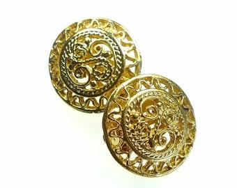 Clip on earrings, gold tone open work