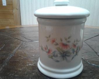 Princess house exclusive porcelain jar