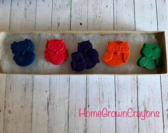 hoot hoot! // Owl Crayons // Christmas Crayons // Stocking Stuffer // Kid's Christmas Gifts // handmade Christmas // homegrowncrayons