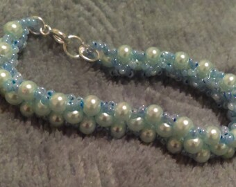 Real pearl and glass beaded bracelet