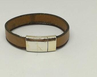 Genuine camel leather and gold bracelet