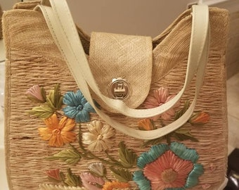 Vintage 50s 60s woven straw raffia structured handcrafted embroidered floral handbag- excellent condition!