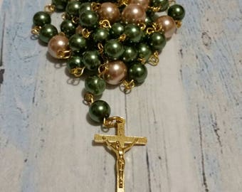Lutheran rosary, Lutheran prayer beads, green and champagne beige glass pearls, gold toned metal crucifix, religious, hand-wired, OOAK