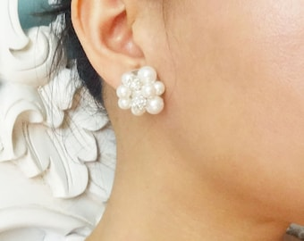 Vintage Retro Style Pearl Cluster Bridal Earrings, Pearl Stud Earrings, Cluster Pearl Wedding Earrings, Wedding Jewelry, AUDREY