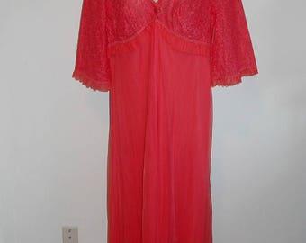 Vintage Pink  Peignoir Negligee ~ 1950's Dark Pink Peignoir ~ Lavish Lace Chiffon Peignoir ~ Pink Peignoir ~ Lacy Peignoir