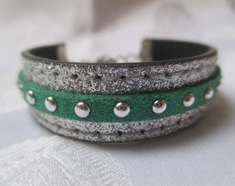 OWL this Green and silver bracelet with its little OWL