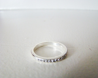 Sterling Silver Rhinestone Simple Band Ring, Size 8 Every day Jewelry