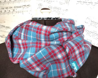 Cosy tartan scarf, winter infinity scarf, checked circle scarf, warm blue plaid flannel cowl, Valentine gift, unique loop scarf, gift for he