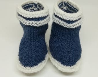 Knit baby shoes / / 6 month wool boots