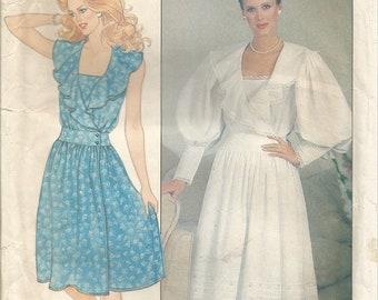 Vintage Butterick Factory Folded Dress Pattern 4792  size 10 Bust 32 circa 1980's