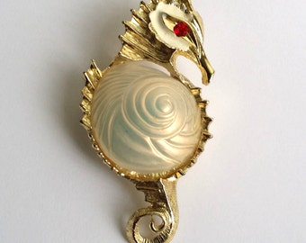 Amazing Vintage Gold Tone Enamel Accent Seahorse Pin Brooch
