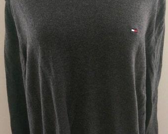 90s Tommy Hilfiger V-Neck Sweater (Large)