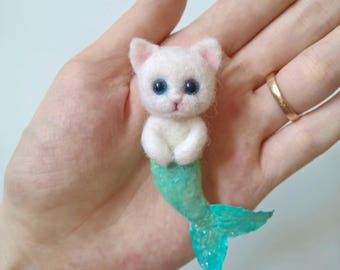 Cat brooch, Cat pin, Mermaid cat, gift for cat lover, cat pins, cat brooches, animal brooch, needle felt brooch, cute cat brooch