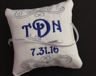Ring bearer pillow, Customizable wedding ring pillow, Monogrammed square ring pillow , Custom embroidered ring bearer pillow, 4x4 7x7