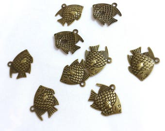 Set of 9 charms fish - antique bronze - 15 x 17 mm