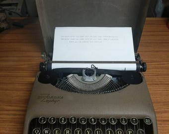 1938 Corona Zephyr ultra portable manual typewriter with case lid!