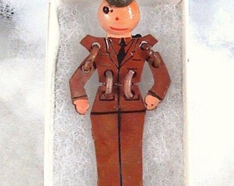 Vintage WW!! 1940s Celluloid Articulated Army Buddy Military Uniform SWEETHEART War Era Pin Brooch Retro Kitsch Big Band Swing Collectible