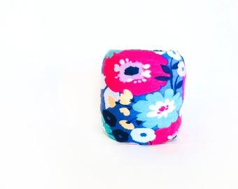 Floral Yarn Bowl- Poppies Yarn Bowl- Yarn holder- Yarn Organizer- Spring Yarn Cozy- Crochet Accessories- Yarn Holder- Skein Coats