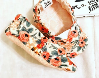 Baby Crib Shoes | Rosa Floral Peach