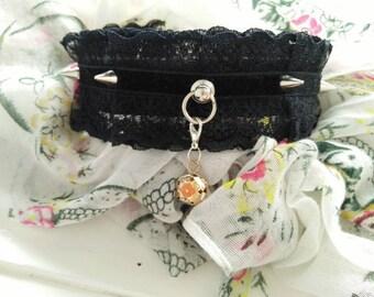 Black ruffled lace collar