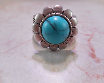 Silver Tone Ring with Faux Turquoise Made by Premier Designs Size 7