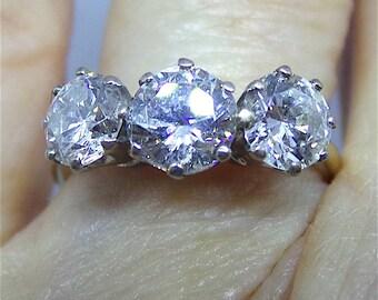 Splendid Diamond Engagement Ring in 18 carat gold