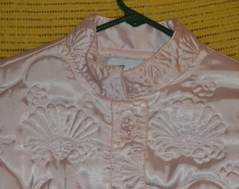 Vintage Bullock's Wilshire Pale Pink Quilted Asian Influenced Mandarin Collar Bed Bedroom Jacket