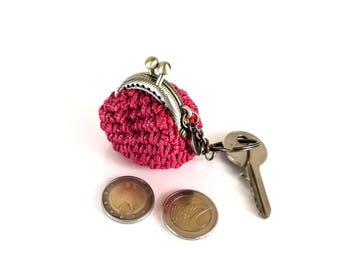 keychain with handmade tiny red crochet coin purse, tiny kiss lock coin purse with keychain, keychain, keyring, gift for her