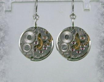 Steampunk Earrings with  Vintage Mechanical Watch Movement , Steampunk Earrings , Steampunk jewelry , Clockwork  Earrings