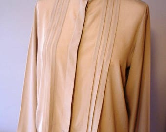 Cream beige vintage blouse, stand up collar, office blouse, longsleeved blouse, elegant blouse