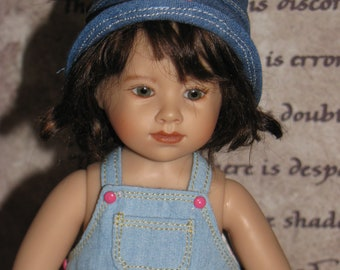 Denim hat with flowers of size 8-9,9-10,10-11