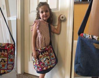 Little Girls Wonder Woman Messenger Bag/Library Bag/Stachel/Kids Tote/Doll Diaper Bag/Cross over Bag/Church Bag/School Bag/Overnight Bag
