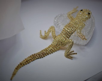 STUNNING Vintage Gold Tone Rhinestone Lizard Articulated Shoulder Brooch