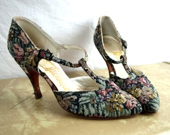 Vintage 1940s 50s Floral Tapestry Peep Toe Heels Pumps Shoes - Customcraft - XS Size 4
