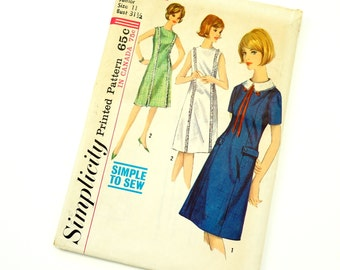 Vintage 1960s Womens Junior Size 11 One Piece Casual Dress with Detachable Collar Simplicity Sewing Pattern 5798 Factory Folds / b31.5 w24.5