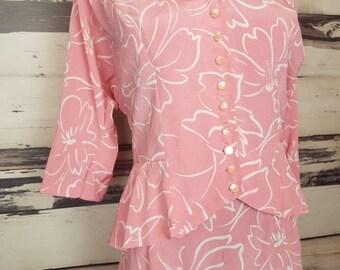 Vintage Pink with White Floral Print Peplum Jacket Pencil Skirt Suit 36 Bust 30 Waist Midi skirt