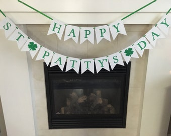 Happy St Patty's Day Banner, St Patrick's Day, St Patrick's Day Party, Party Decoration, Clover Leaf, Green,