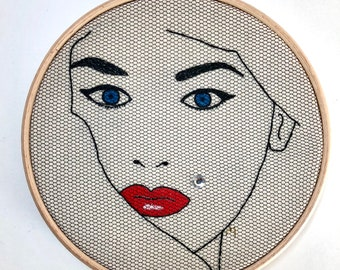 Embroidery kit Level 1 FEMME FATALE