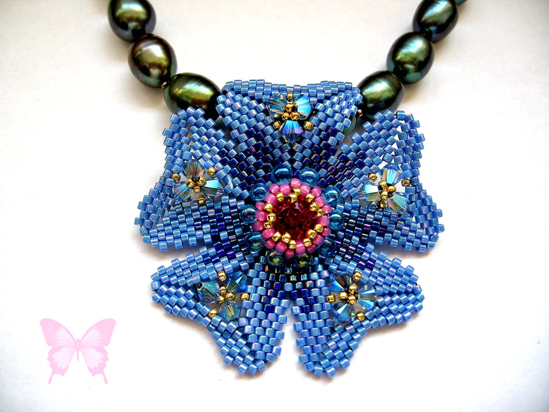 Tutorial Peyote Flower Pendant. Pattern to make a Tudor Rose