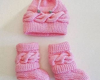 Hat and booties set style Ugg 0-3 months