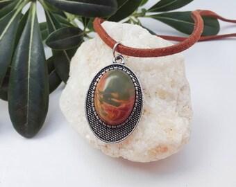 Ovale Jaspis Anhänger aus braunem Wildleder Halskette Schnur minimalistische Halskette Jaspis Halskette Stein Halskette Stein Schmuck bolivianischen Schmuck lässig Geschenke